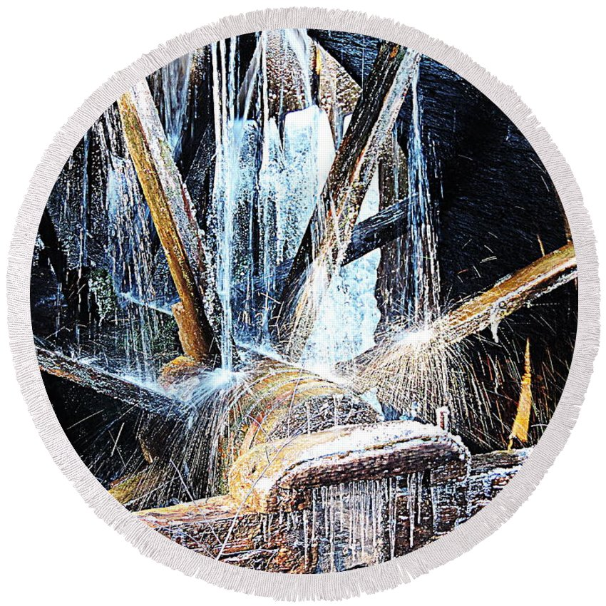 Cades Cove Round Beach Towel featuring the photograph Frozen - John P. Cable Grist Mill by Roe Rader