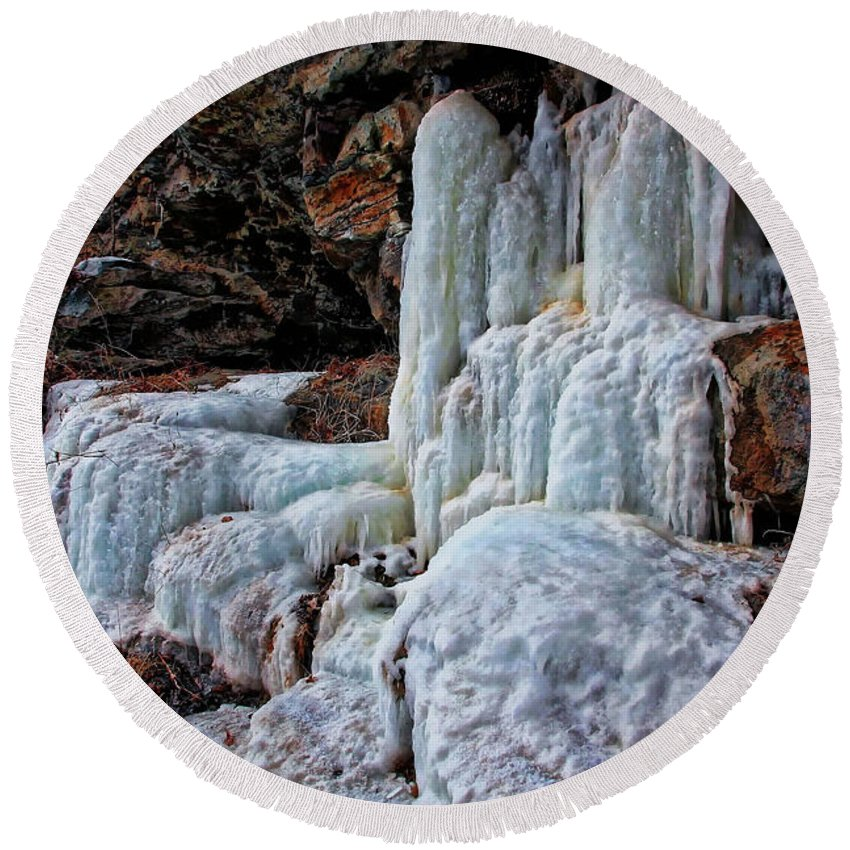 Ice Round Beach Towel featuring the photograph Frozen Waterfall by Suzanne Stout