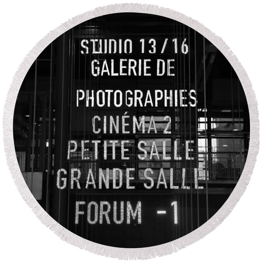 Paris Round Beach Towel featuring the photograph Galerie De Photographies by Victor Carvalho