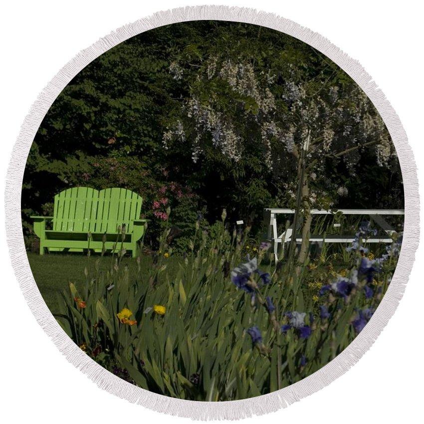 Garden Round Beach Towel featuring the photograph Garden Bench Green by Sara Stevenson
