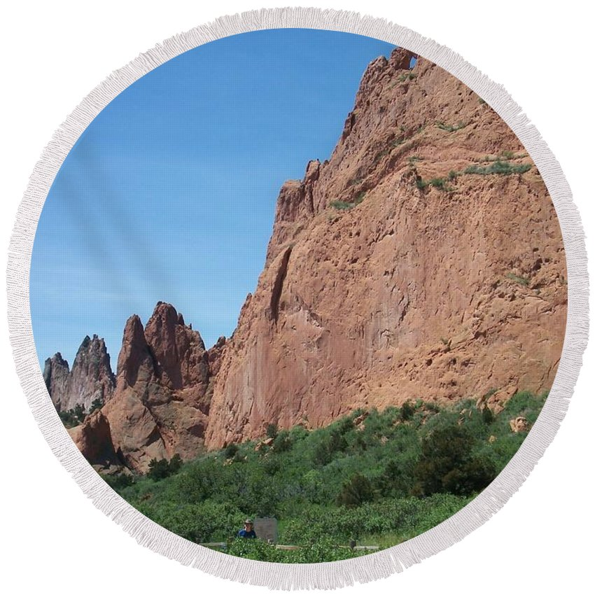 Colorado Round Beach Towel featuring the photograph Garden Of The Gods by Anita Burgermeister