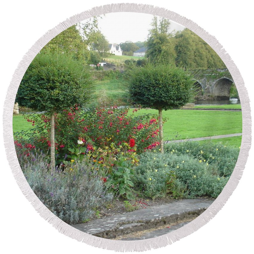 Inistioge Round Beach Towel featuring the photograph Garden On The Banks Of The Nore by Kelly Mezzapelle
