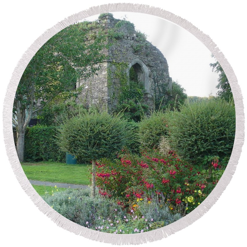 Inistioge Round Beach Towel featuring the photograph Garden Path by Kelly Mezzapelle
