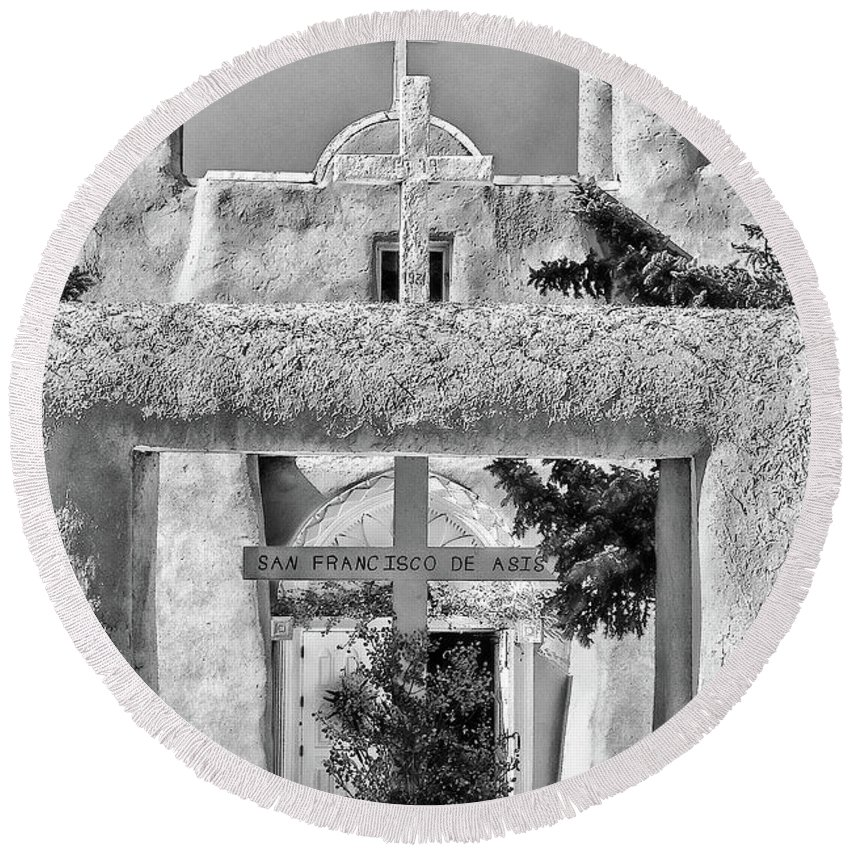 Santa Round Beach Towel featuring the photograph Gate To Ranchos Church Black And White by Charles Muhle