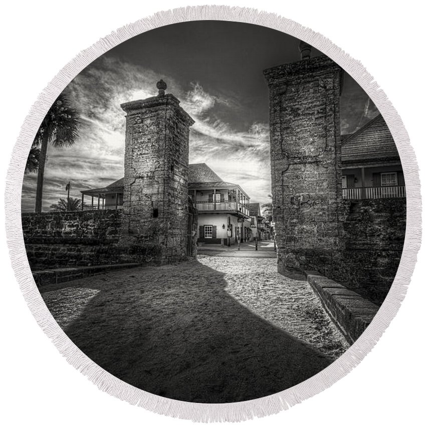 Fort Round Beach Towel featuring the photograph Gate To The City by Marvin Spates