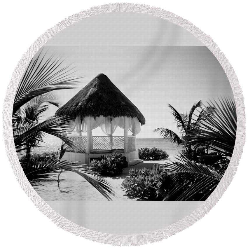 Gazebo Round Beach Towel featuring the photograph Gazebo On The Ocean by Anita Burgermeister