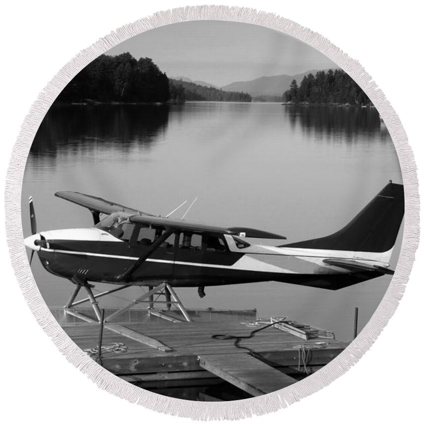 Float Plane Round Beach Towel featuring the photograph Getting Away by David Lee Thompson