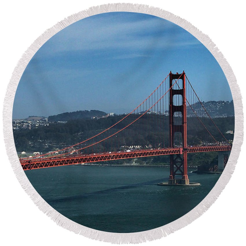 San Francisco Round Beach Towel featuring the photograph Gg San Francisco by Michael Gordon