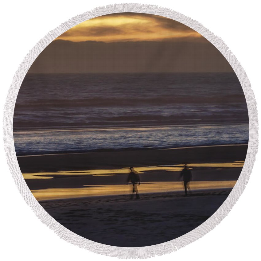 Sunset Round Beach Towel featuring the photograph Ghostly Sunset Walk by Lindley Johnson