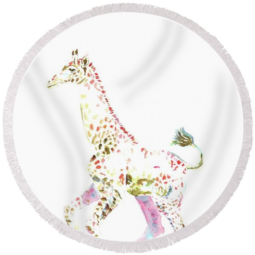 Giraffe In Watercolor Round Beach Towel featuring the painting Giraffe by Elizabeth Way