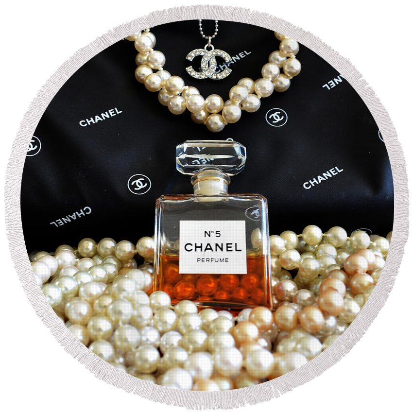 Chanel No 5 Round Beach Towel featuring the photograph Girls Best Friends by To-Tam Gerwe