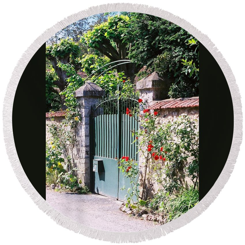 Giverny Round Beach Towel featuring the photograph Giverny Gate by Nadine Rippelmeyer