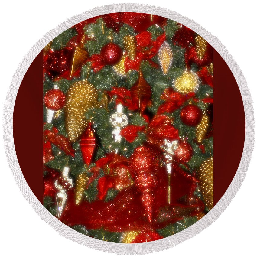 Christmas Round Beach Towel featuring the photograph Gold Pinecone Tree Detail Fashions For Evergreens Hotel Roanoke 2009 by Teresa Mucha