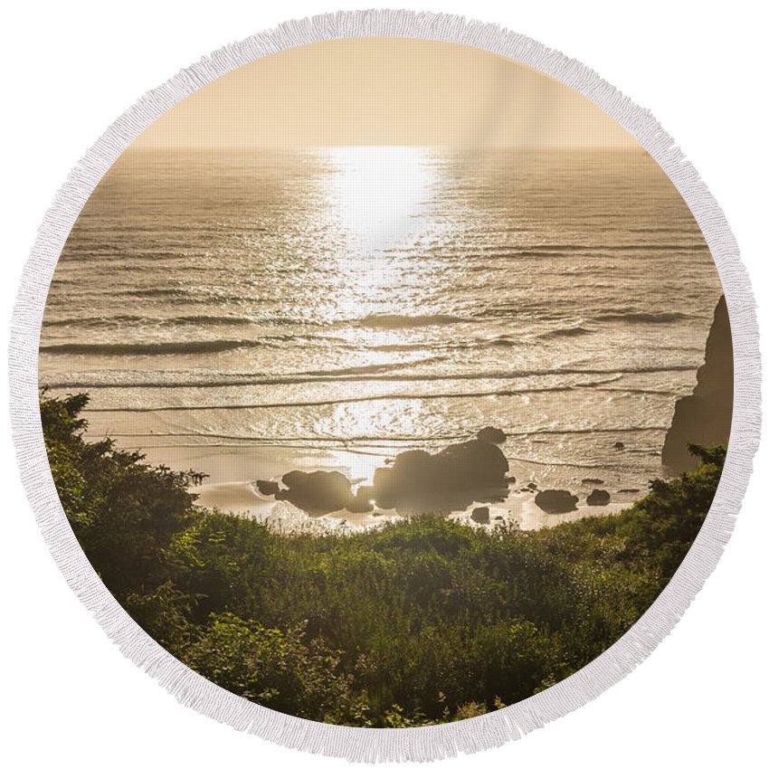 Oregon Round Beach Towel featuring the photograph Golden Cove by Kristopher Schoenleber