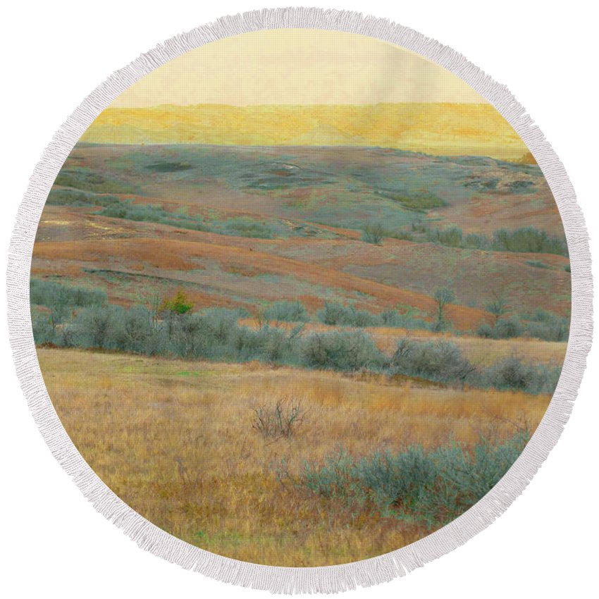 North Dakota Round Beach Towel featuring the photograph Golden Dakota Horizon Dream by Cris Fulton