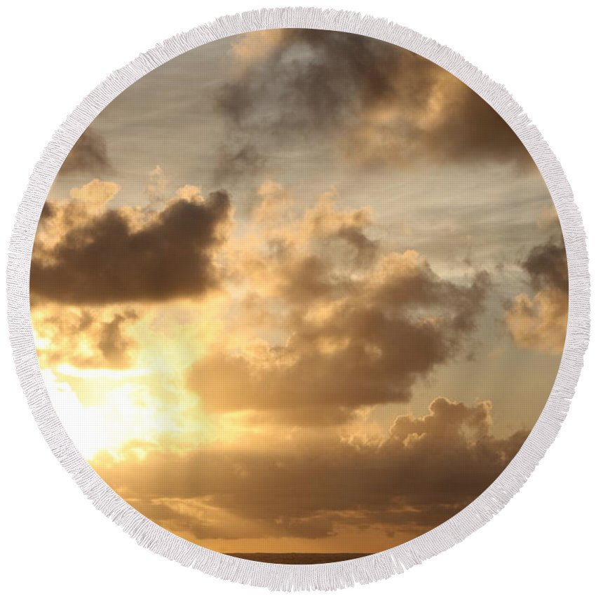Sunrise Round Beach Towel featuring the photograph Golden Sunrise On Kauai by Nadine Rippelmeyer