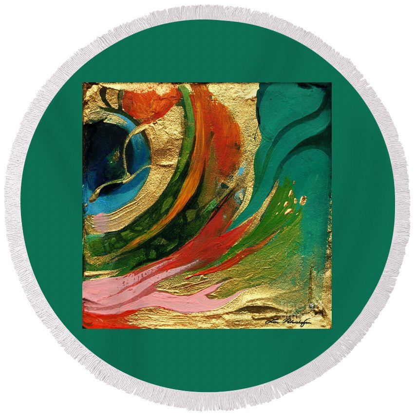 Lin Petershagen Round Beach Towel featuring the painting Goldy by Lin Petershagen