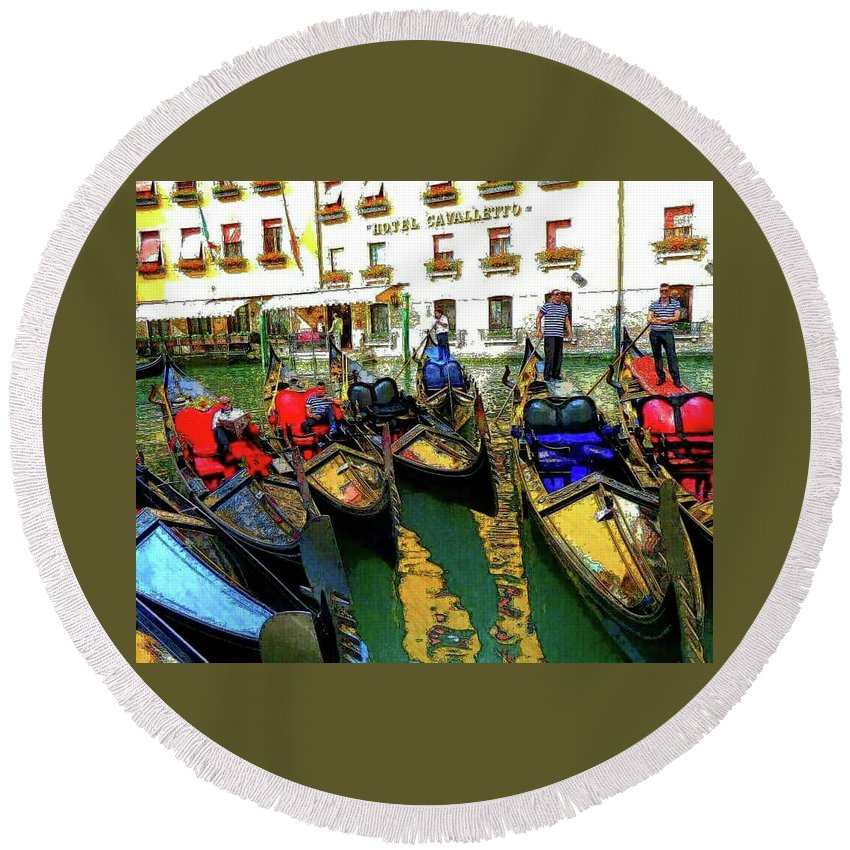 Venice Round Beach Towel featuring the photograph Gondoliers In Venice by Tom Ludes