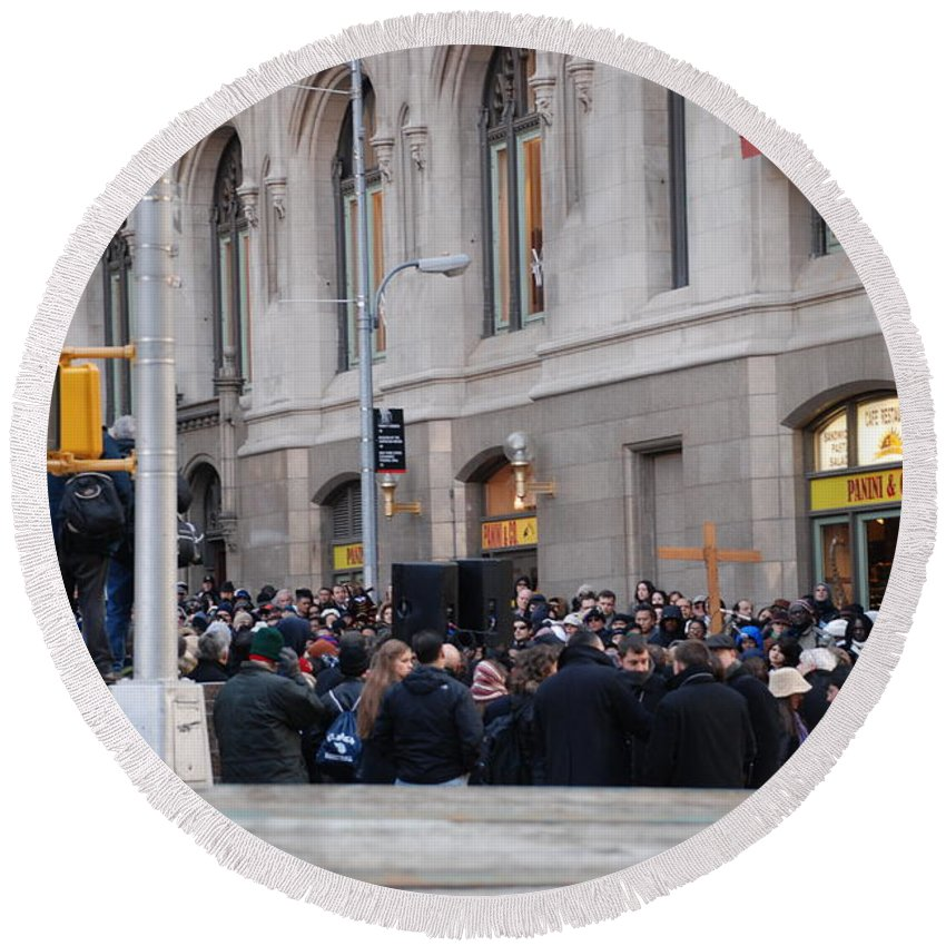 Church Round Beach Towel featuring the photograph Good Friday On Trinity Place by Rob Hans