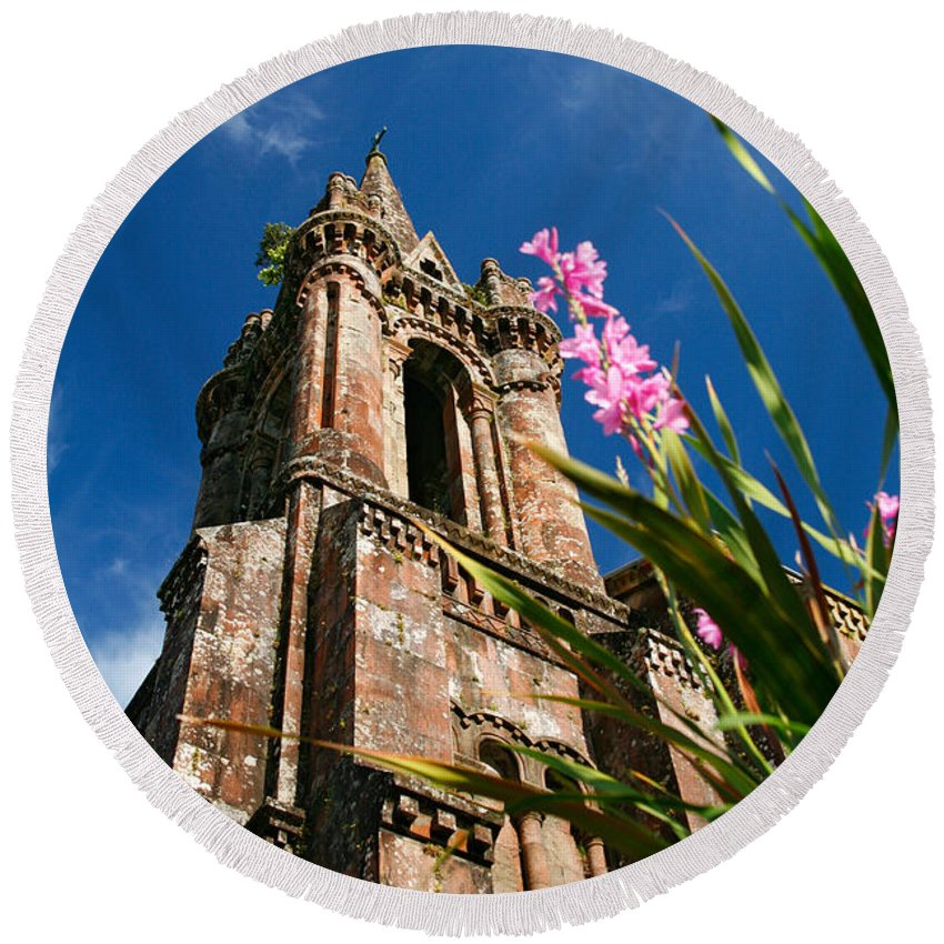 Architecture Round Beach Towel featuring the photograph Gothic Chapel by Gaspar Avila