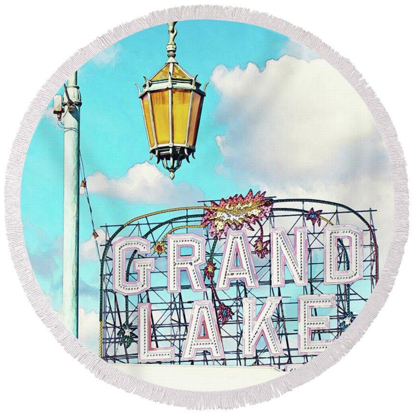 Vintage Theater Round Beach Towel featuring the photograph Grand Lake Merritt - Oakland, California by Melanie Alexandra Price