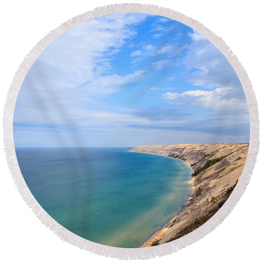Log Slide Round Beach Towel featuring the photograph Grand Sable Dunes Overlook In Grand Marais Michigan by Craig Sterken