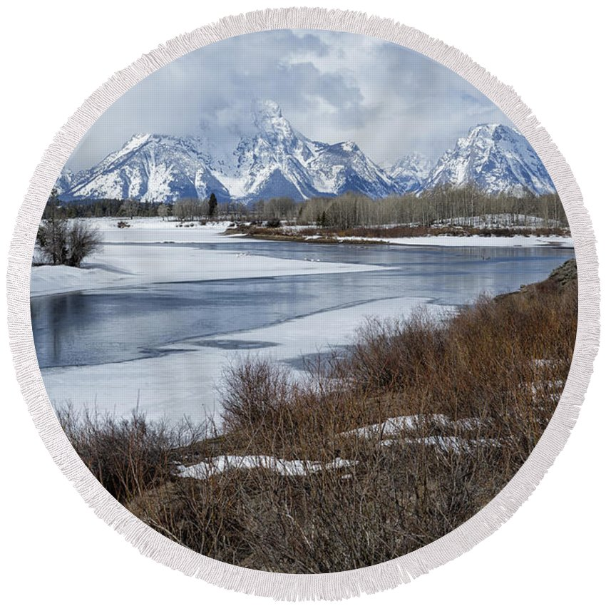 Grand Tetons Round Beach Towel featuring the photograph Grand Tetons From Oxbow Bend by Belinda Greb