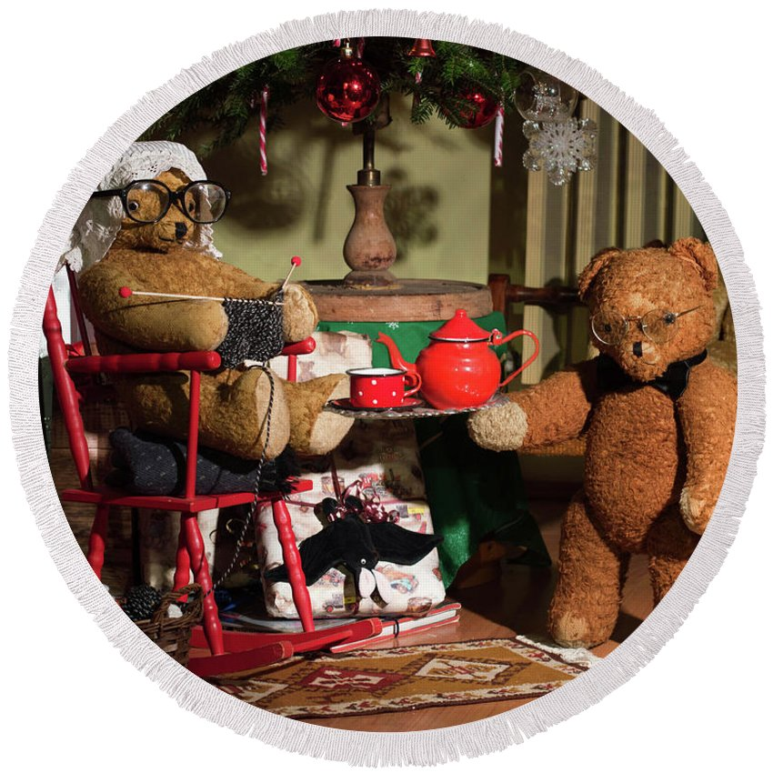 Teddy Round Beach Towel featuring the photograph Grandpa And Grandma Teddy Bears' Christmas Eve by Andrea Varga