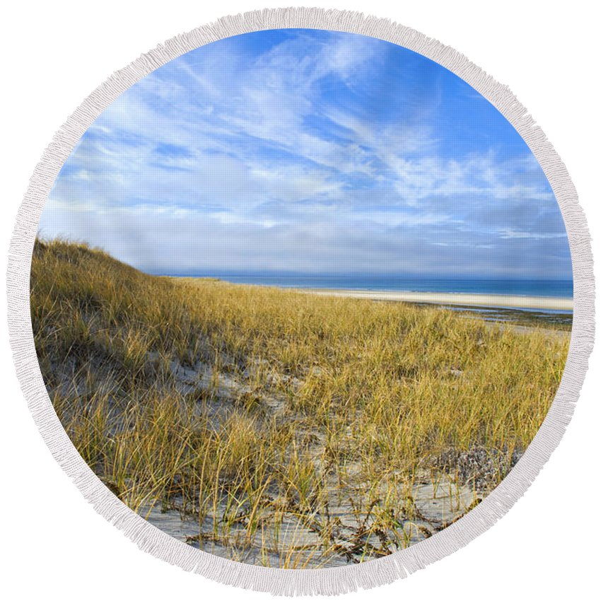Dunes Round Beach Towel featuring the photograph Grassy Dunes by Charles Harden