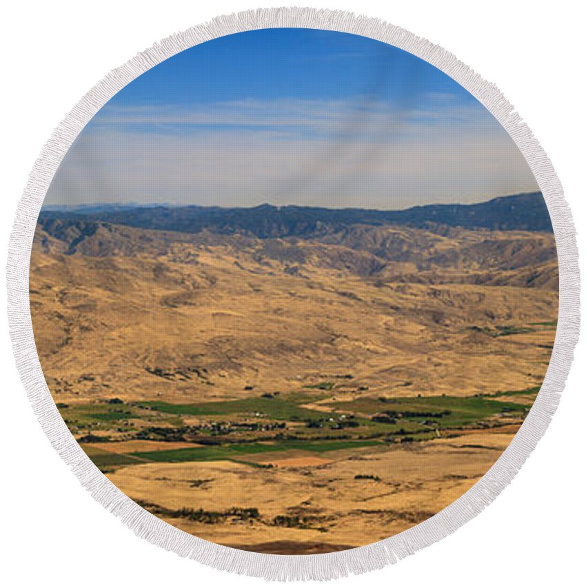 Idaho Round Beach Towel featuring the photograph Great View by Robert Bales