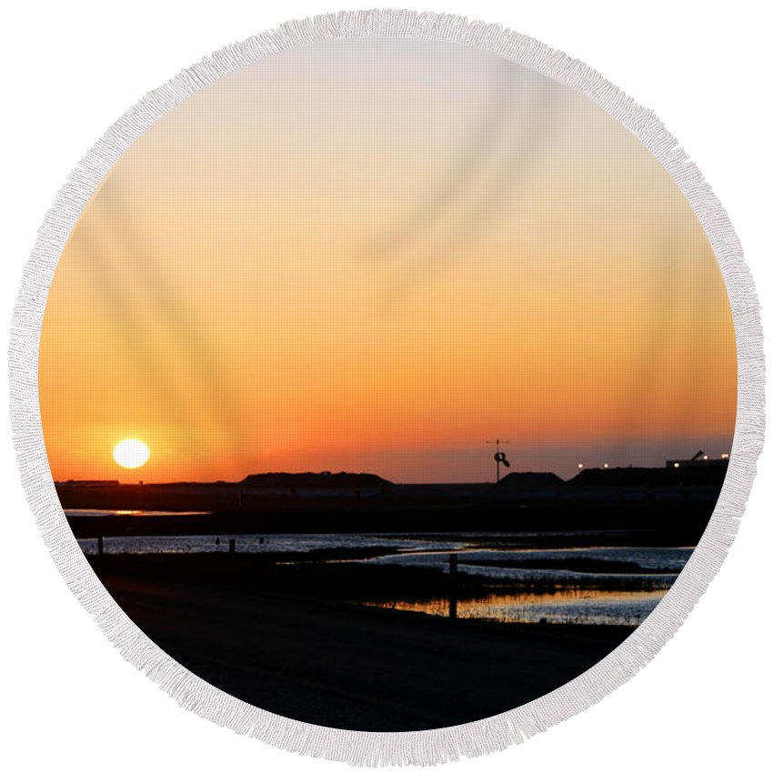 Landscape Round Beach Towel featuring the photograph Greater Prudhoe Bay Sunrise by Anthony Jones