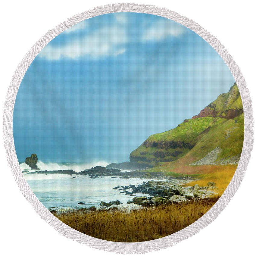 Giant's Causeway Round Beach Towel featuring the photograph Green Giant by Photopoint Art