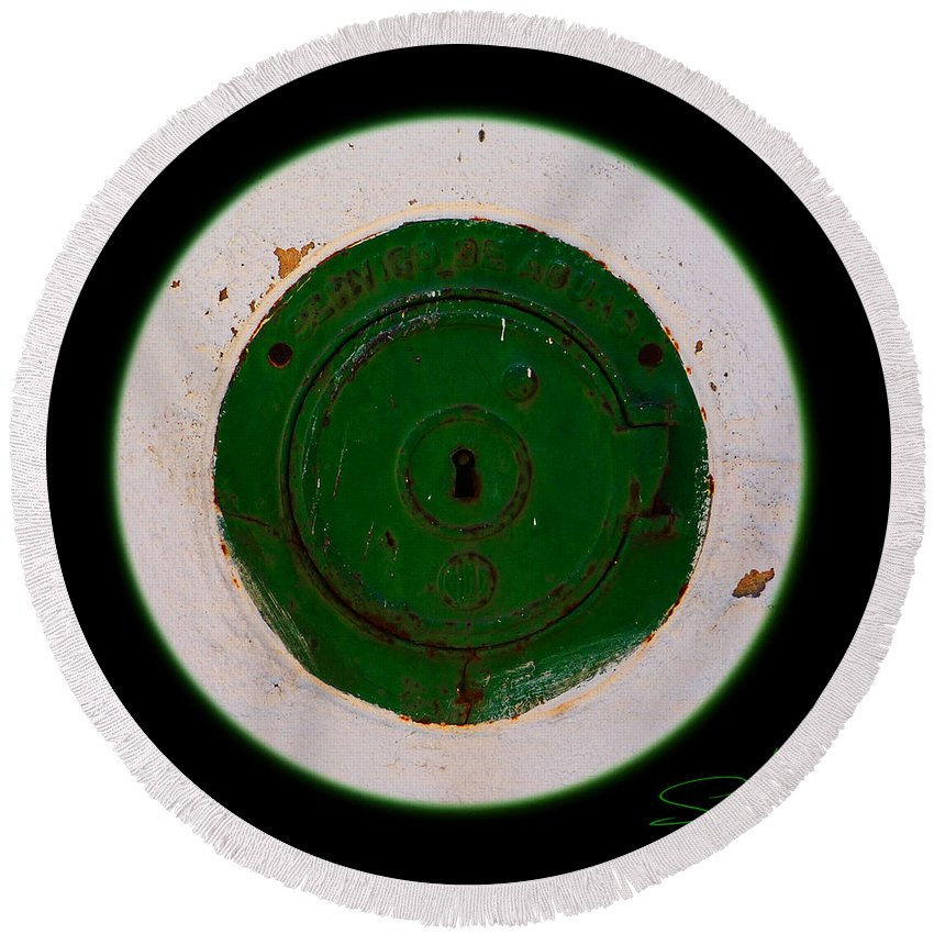 Green Round Beach Towel featuring the photograph Green Image by Charles Stuart