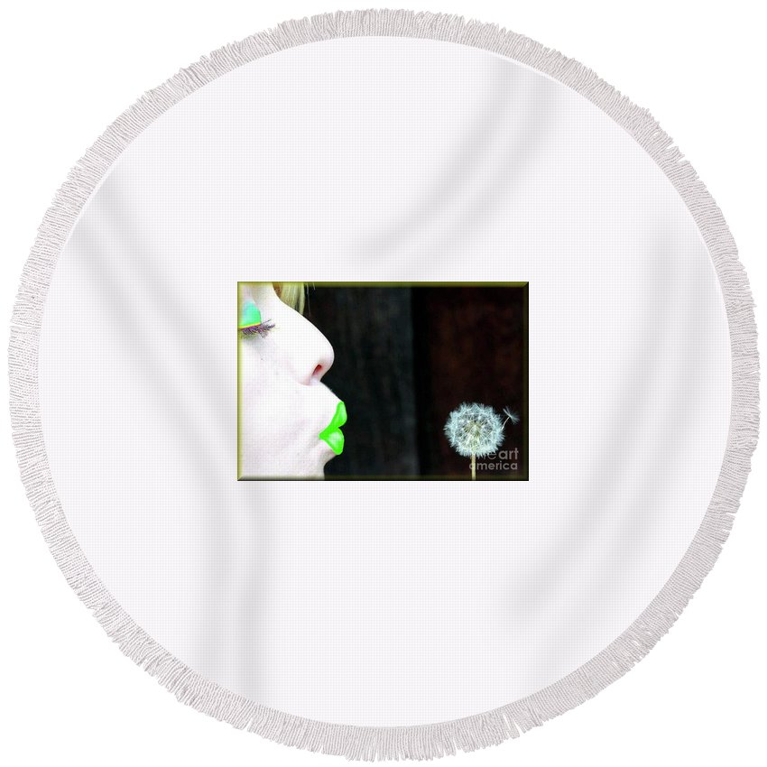 Green Round Beach Towel featuring the photograph Green Is The Thing by Robin Ayers