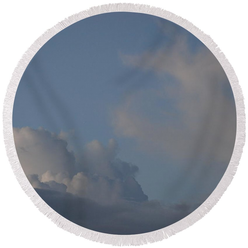 Clouds Round Beach Towel featuring the photograph Greyskys by Rob Hans