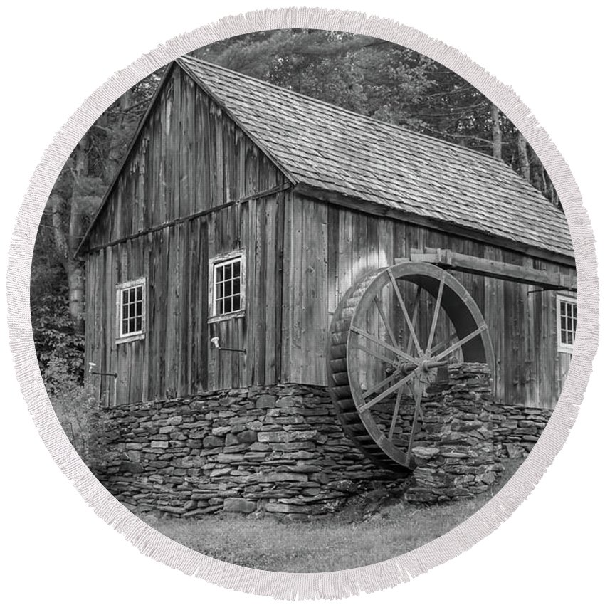 Rockingham Vt Round Beach Towel featuring the photograph Grist Mill by Guy Whiteley