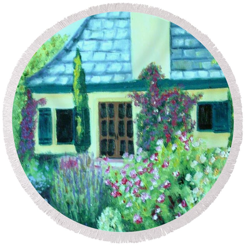 Cottage Round Beach Towel featuring the painting Guest Cottage by Laurie Morgan