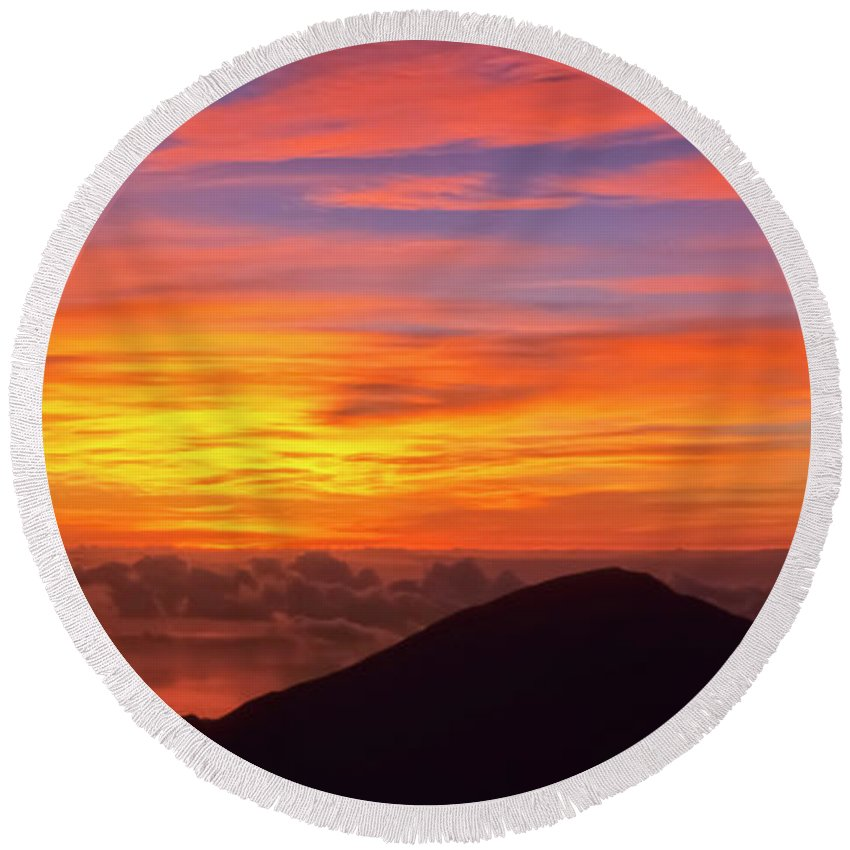 Nature Round Beach Towel featuring the photograph Haleakala Sunrise Colors IIi by Jim Cazel