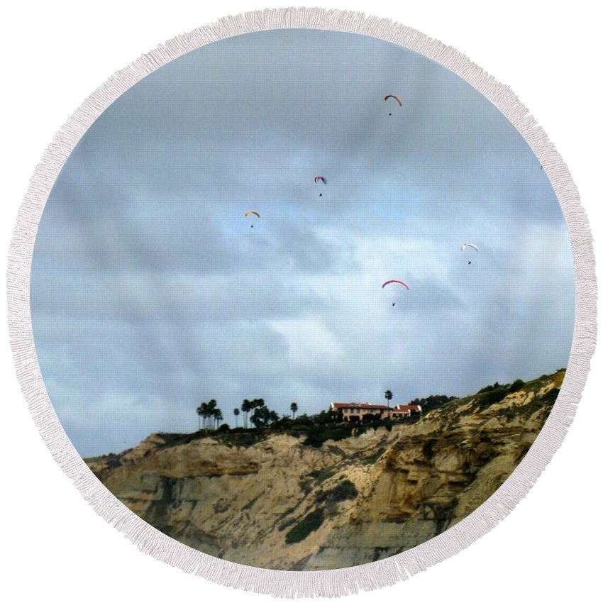 Hang Gliders Round Beach Towel featuring the photograph Hanggliders by Marta Robin Gaughen