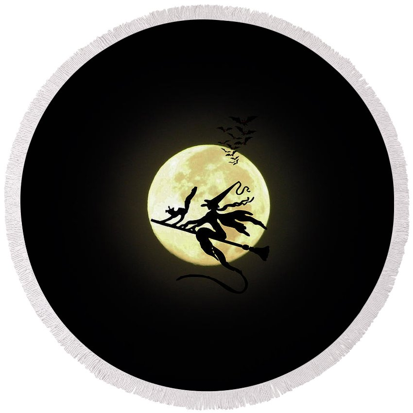 Witch Round Beach Towel featuring the digital art Happy Halloween by D Hackett