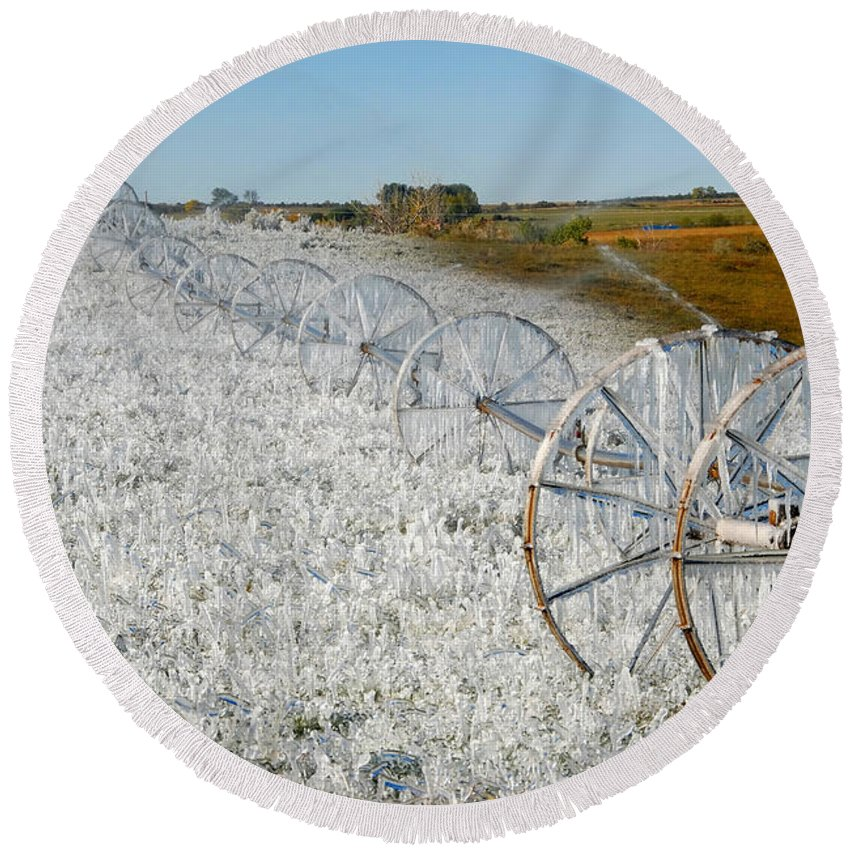 Farm Round Beach Towel featuring the photograph Hard Land Farming by David Lee Thompson