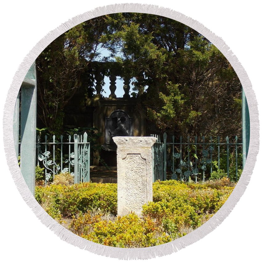 Harkness Round Beach Towel featuring the photograph Harkness Garden Statue 1 by Nina Kindred