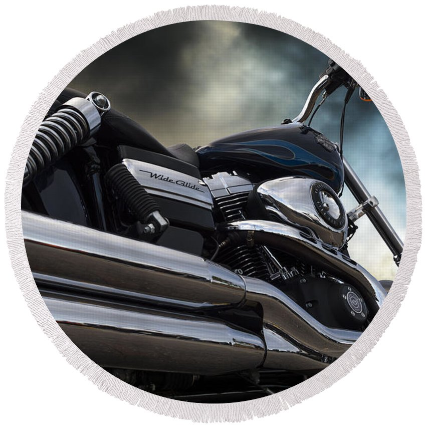 Wendy Round Beach Towel featuring the photograph Harley Davidson 8 by Wendy Wilton