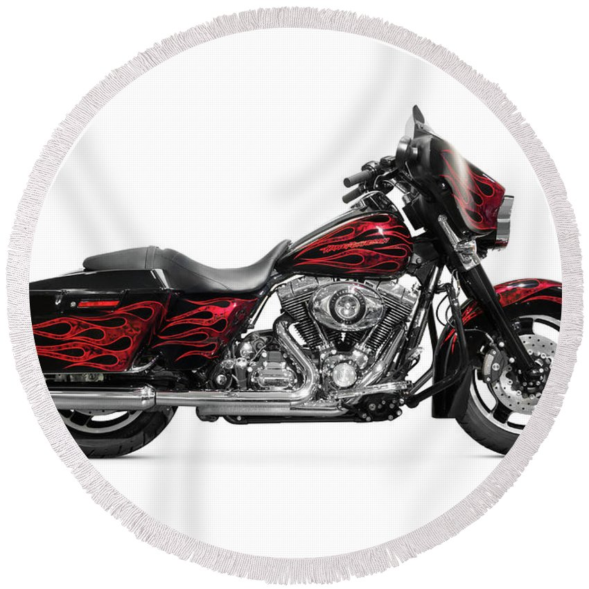 Motorcycle Round Beach Towel featuring the photograph Harley-davidson Street Glide Motorcycle by Maxim Images Prints