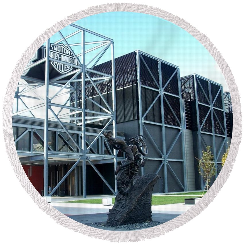 Architechture Round Beach Towel featuring the photograph Harley Museum And Statue by Anita Burgermeister