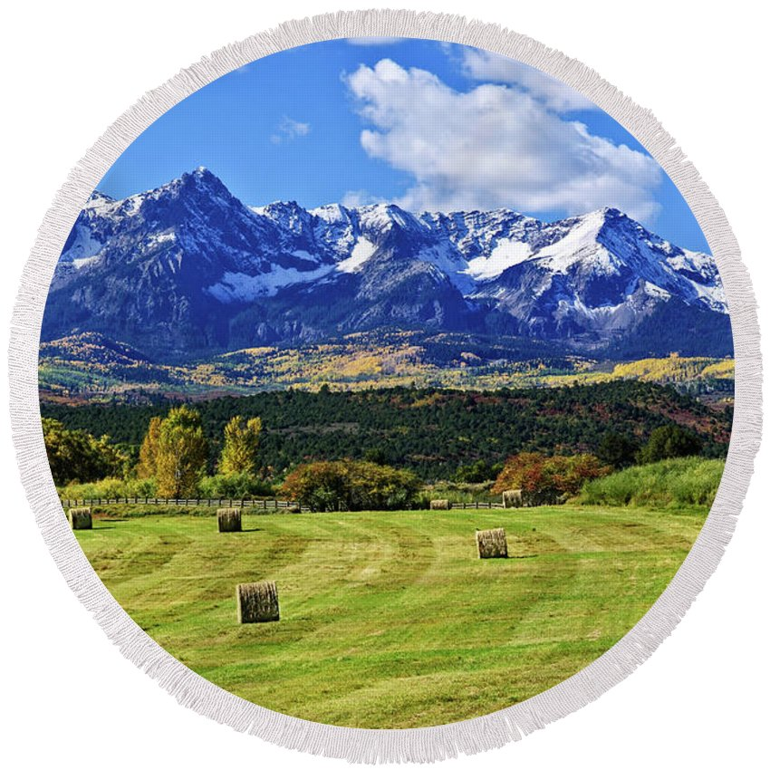 Colorado Photographs Round Beach Towel featuring the photograph Hay With A View by Gary Benson