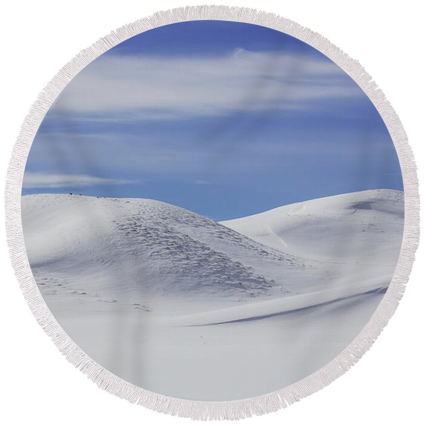 Yellowstone National Park Round Beach Towel featuring the photograph Hayden Valley Winter by Jack Bell
