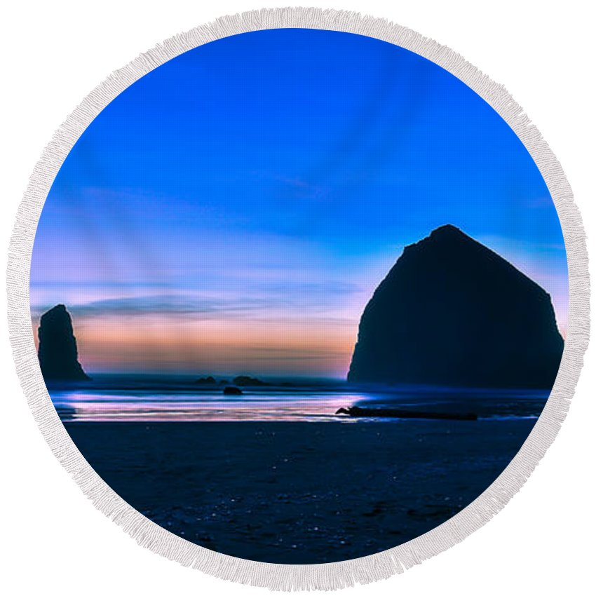 Haystack Rock Cannon Beach Oregon Round Beach Towel featuring the photograph Haystack Rock by Abhay P