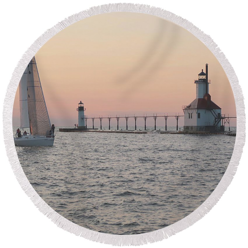 Sailboat Round Beach Towel featuring the photograph Heading In by Ann Horn