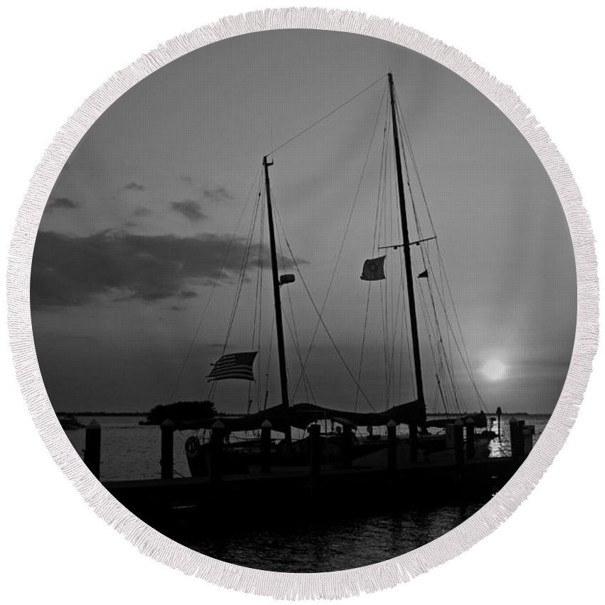 Boat Round Beach Towel featuring the photograph Heartbroken Vow by Michiale Schneider